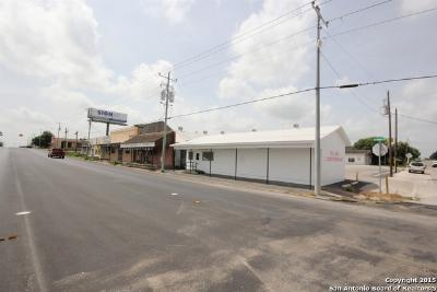 Falls City TX Commercial For Sale: $298,999