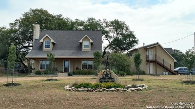 Bandera County Single Family Home For Sale: 400 Saddle Horn Dr