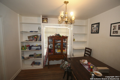 San Antonio Single Family Home For Sale: 3235 W Woodlawn Ave