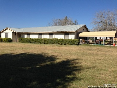 Atascosa County Single Family Home Back on Market: 3031 Fm 536