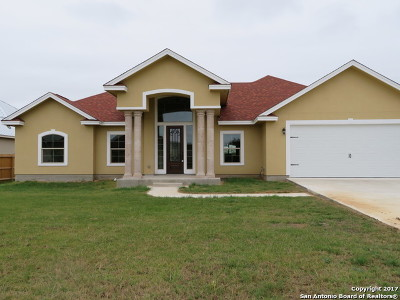 Castroville Single Family Home For Sale: 2110 Geneva Court