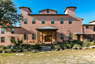 Bandera County Single Family Home For Sale: 1070 Mustang Crossing Dr