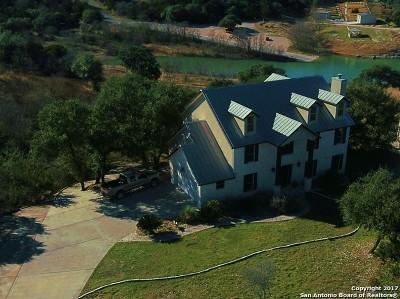 Single Family Home For Sale: 587 Oak Shores Dr