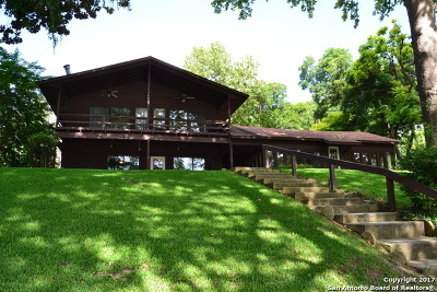 Guadalupe County Single Family Home For Sale: 2529 Terminal Loop Rd