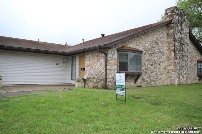 Boerne Condo/Townhouse For Sale: 615 Oak Park Dr #615
