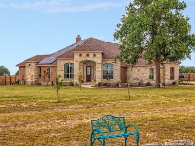 Wilson County Single Family Home For Sale: 104 Westfield Ranch