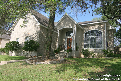 Single Family Home For Sale: 206 River Bluff