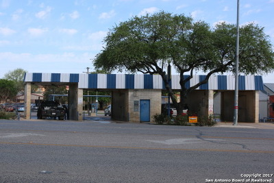 Commercial For Sale: 1009 W Us Highway 90