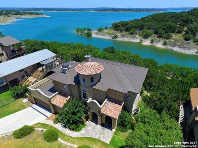 Single Family Home For Sale: 433 Riviera Dr