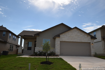 Guadalupe County Single Family Home For Sale: 513 Pearl Chase