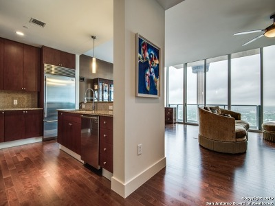 San Antonio Condo/Townhouse For Sale: 610 E Market St #3115