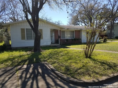 Guadalupe County Single Family Home For Sale: 533 Johnson Ave