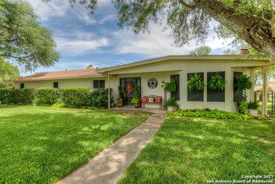 Pleasanton Single Family Home For Sale: 910 Oakridge Dr