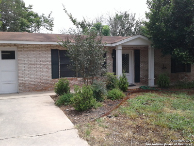 Atascosa County Single Family Home For Sale: 614 Val Verde Dr
