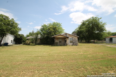 Single Family Home For Sale: 858 Gillette Blvd