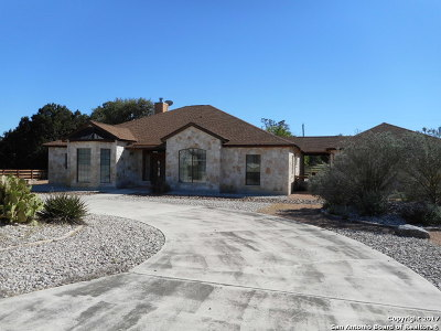 Bandera County Single Family Home For Sale: 152 Creekwood