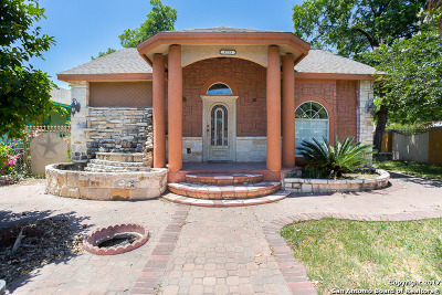 Single Family Home For Sale: 1723 Trinity St