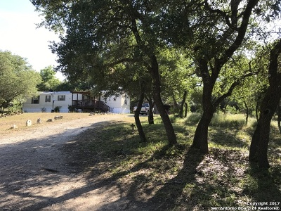Comal County Manufactured Home For Sale: 1750 Western Skies Dr