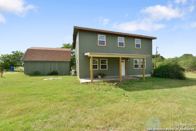 Guadalupe County Single Family Home For Sale: 2500 Mesquite Pass