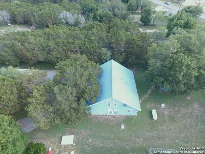 Lakehills TX Single Family Home For Sale: $159,900