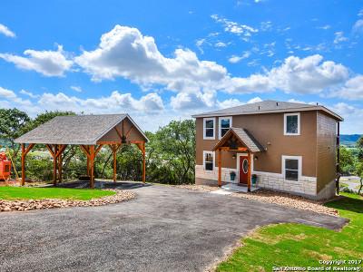 Canyon Lake Single Family Home For Sale: 924 Kindersley