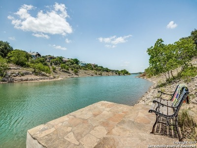 Canyon Lake Single Family Home For Sale: 311 Village View Dr