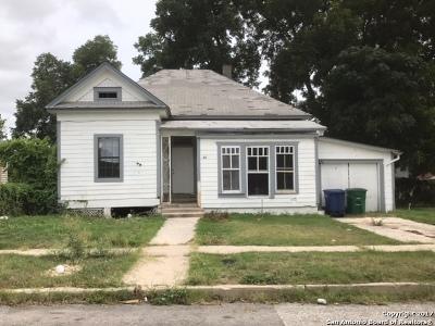 Single Family Home For Sale: 1435 E Crockett St