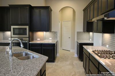 San Antonio Single Family Home Back on Market: 13711 Meadowick Dr