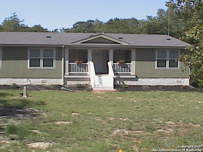 Floresville TX Manufactured Home For Sale: $280,000