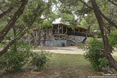 Comal County Single Family Home For Sale: 728 Lazy Diamond