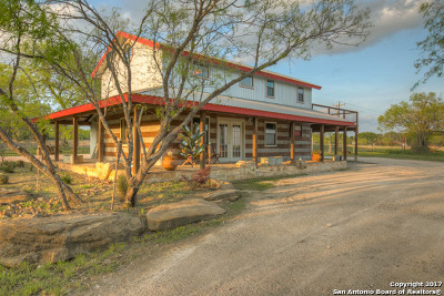 Guadalupe County Single Family Home For Sale: 14911 Fm 725