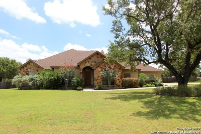 La Vernia Single Family Home For Sale: 229 Vintage Ranch Cir
