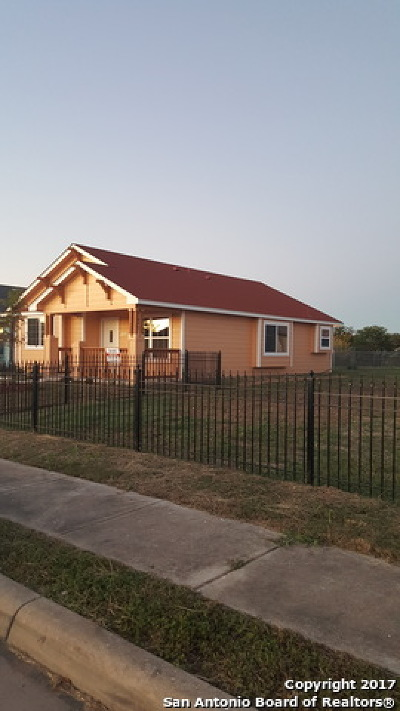Single Family Home For Sale: 11322 Valley Star Dr