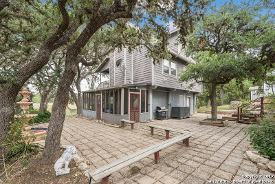 Spring Branch Single Family Home For Sale: 1676 Lake Dr