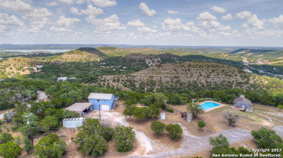 Canyon Lake Single Family Home For Sale: 1209 High Oaks Rd