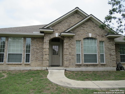 Pipe Creek Single Family Home For Sale: 112 Shelly Ln