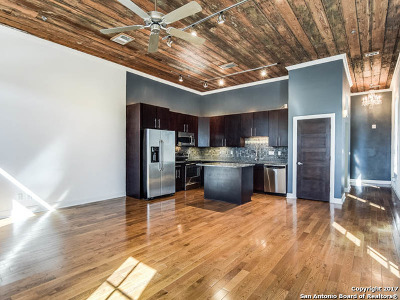 Condo/Townhouse For Sale: 831 S Flores St #1202