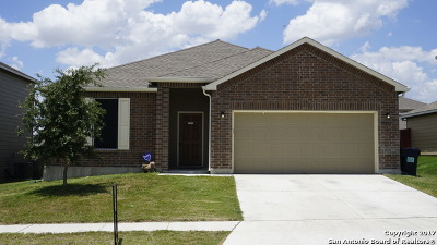 Selma Single Family Home For Sale: 15935 Silver Rose