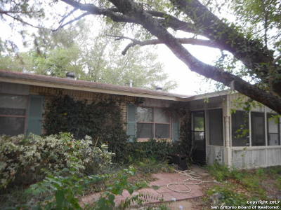 Atascosa County Single Family Home For Sale: 1307 Main St
