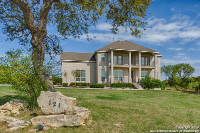 Canyon Lake Single Family Home For Sale: 121 Oyster Spgs