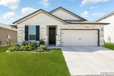 Single Family Home For Sale: 6619 Winding Farm