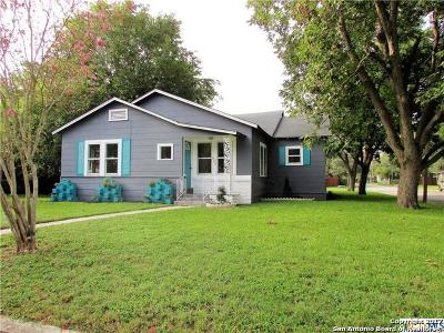 Guadalupe County Single Family Home For Sale: 703 E Krezdorn St