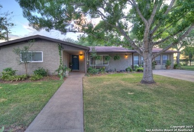 Jourdanton Single Family Home For Sale: 204 La Cieba Dr