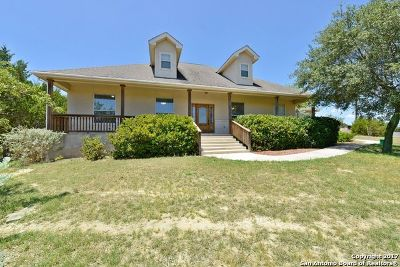 Comal County Single Family Home For Sale: 718 Misty Water