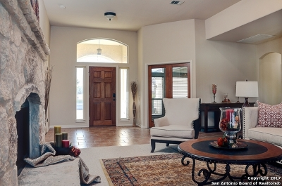 Guadalupe County Single Family Home For Sale: 124 Donald Ross Pl