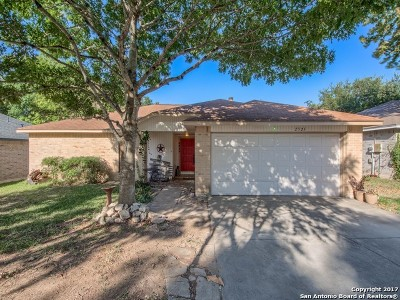 Schertz Single Family Home For Sale: 2525 Star Light Ln