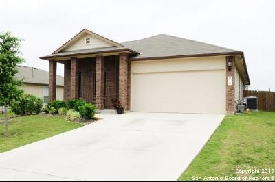 Schertz Single Family Home For Sale: 713 Hollow Rdg