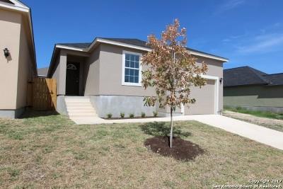 San Antonio Single Family Home For Sale: 7023 Hallie Rdg