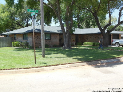 Frio County Single Family Home For Sale: 436 William Dr