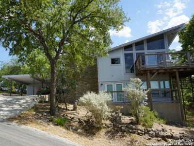 Canyon Lake Single Family Home For Sale: 750 Skyline Dr